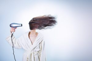 10 Everyday Bad Habits That Are Damaging Your Hair